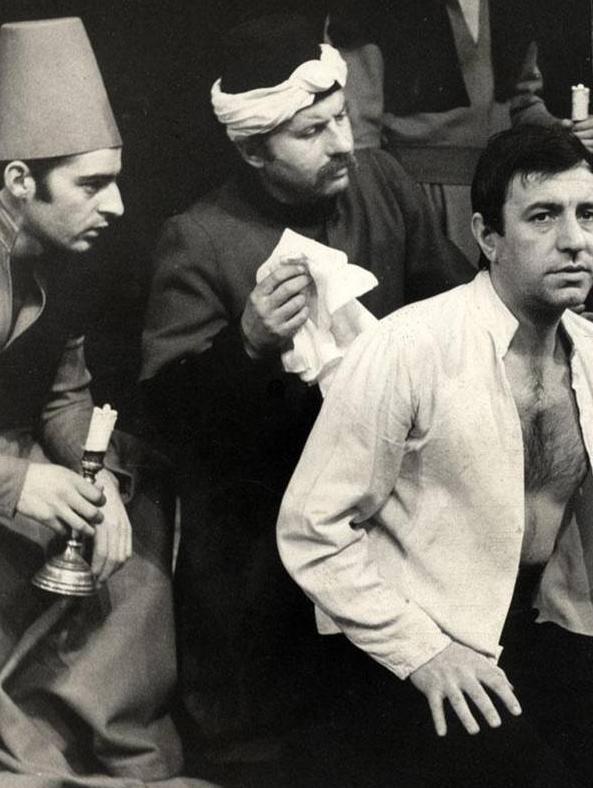 Boban Knežević, Milutin Butković (Hadži Sinanudin) i Zoran Radmilović (Ahmet Nurudin), Derviš i smrt, Atelje 212, 1971.