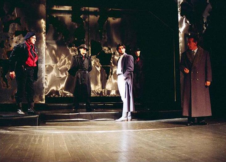 U centralnom planu Vojin Ćetković (Hasan), Derviš i smrt, Narodno pozorište, Kruševac, 1993.