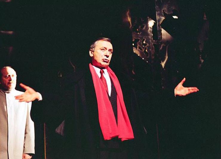 Milija Vuković (Ahmet Nurudin) i Vlastimir Đuza Stojiljković (Kadija), Derviš i smrt, Narodno pozorište, Kruševac, 1993.