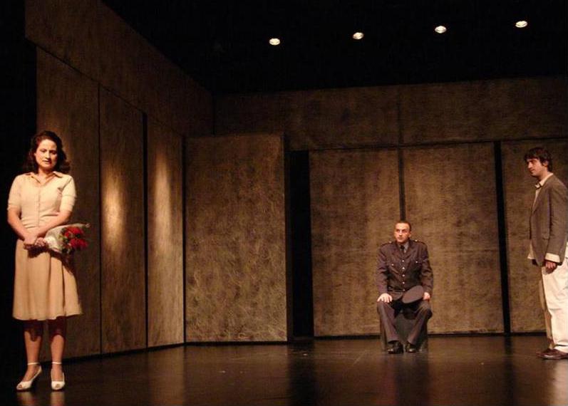 Biljana Nikolić (Tijana), Nebojša Vranić (Avdaga) i Branislav Trifunović (Ahmet Šabo), Tvrđava, kruševačko Narodno pozorište, 2008.