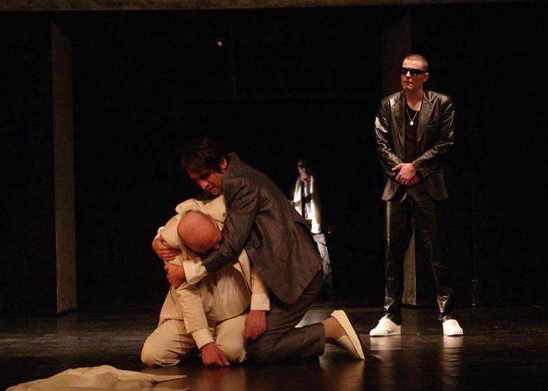 Milija Vuković (Šehaga Sočo), Branislav Trifunović (Ahmet Šabo) i Vuk Kostić (Osman Vuk), Tvrđava, kruševačko Narodno pozorište, 2008.