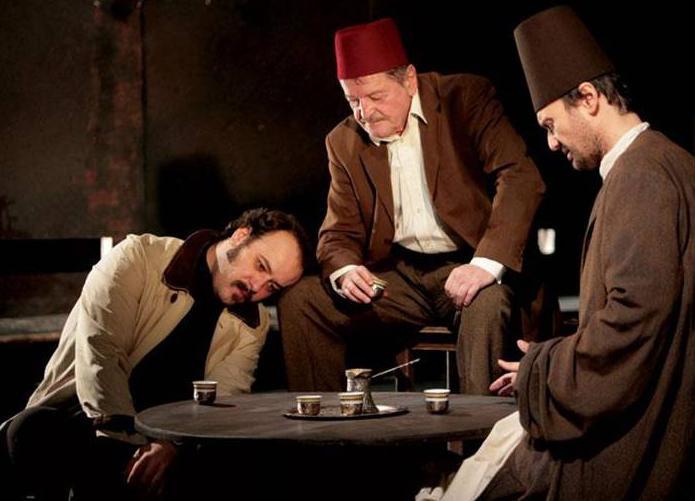 Ljubomir Bandović (Hasan), Marko Nikolić (Hadži Sinanudin) i Nikola Ristanovski (Ahmet Nurudin), Derviš i smrt, beogradsko Narodno pozorište, 2008.