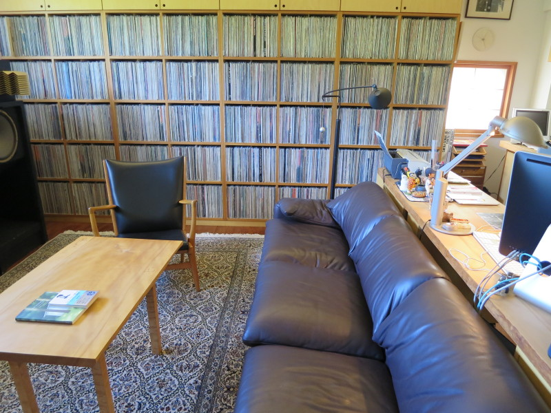 """""""Imam oko 10.000 ploča, kompakt diskove nisam prebrojao."""""""